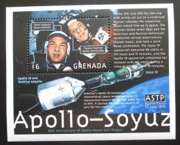 Poštovní známka Grenada 2000 Vesmírná spolupráce Apollo-Soyuz Mi# Block 554