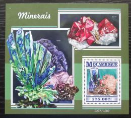 Poštovní známka Mosambik 2015 Minerály Mi# Block 1068 Kat 10€