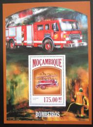 Poštovní známka Mosambik 2013 Hasièská auta Mi# Mi# Block 818 Kat 10€