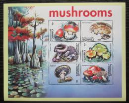 Poštovní známky Dominika 2001 Houby Mi# 3176-81