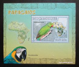 Poštovní známka Mosambik 2007 Papoušci Deluxe Mi# 3027 Block