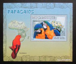 Poštovní známka Mosambik 2007 Papoušci Deluxe Mi# 3028 Block