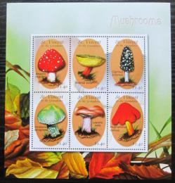 Poštovní známky Svatý Vincenc 2001 Houby Mi# 5198-5203 Kat 10€