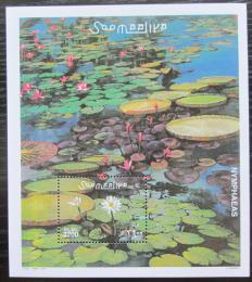 Poštovní známka Somálsko 2001 Lekníny Mi# Block 84 Kat 14€