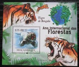 Poštovní známka Mosambik 2011 Tygr bengálský Mi# Block 428 Kat 10€