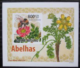 Poštovní známka Guinea-Bissau 2009 Vèely a kvìtiny neperf DELUXE Mi# 4465 B Block