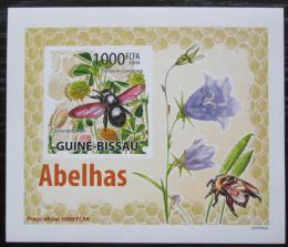 Poštovní známka Guinea-Bissau 2009 Vèely a kvìtiny neperf DELUXE Mi# 4466 B Block