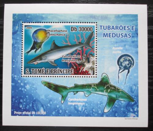 Poštovní známka Svatý Tomáš 2009 Žraloci a medúzy DELUXE Mi# 3859 Block