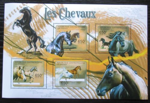 Poštovní známky SAR 2011 Konì Mi# Mi# 3073-76 Kat 10€