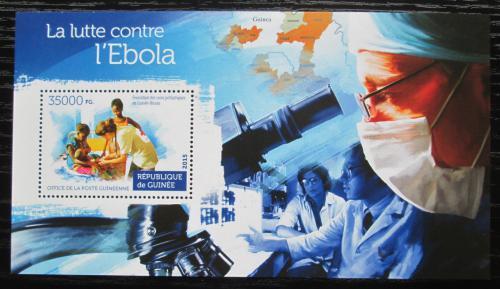 Poštovní známka Guinea 2015 Boj proti ebole Mi# Block 2548 Kat 14€