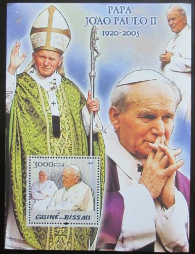 Poštovní známka Guinea-Bissau 2005 Papež Jan Pavel II. Mi# Block 512 Kat 12€