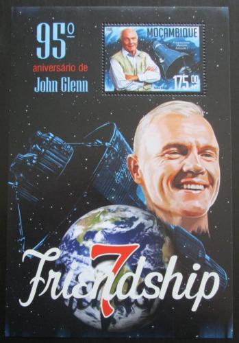 Poštovní známka Mosambik 2016 John Glenn Mi# Block 1145 Kat 10€