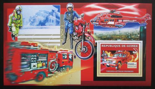 Poštovní známka Guinea 2006 Japonští hasièi DELUXE Mi# Block 1068