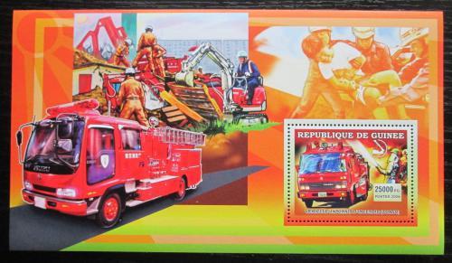 Poštovní známka Guinea 2006 Japonští hasièi DELUXE Mi# Block 1070