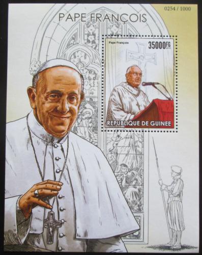 Poštovní známka Guinea 2015 Papež František Mi# Block 2574 Kat 14€