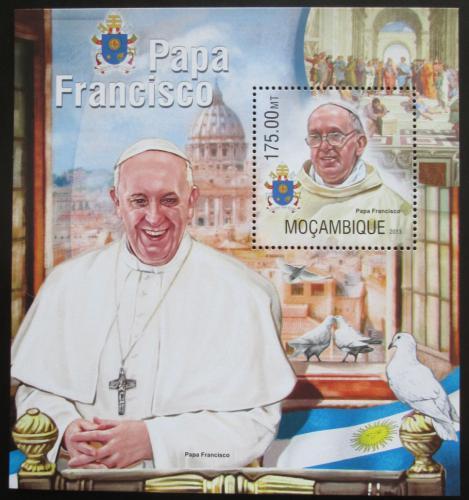 Poštovní známka Mosambik 2013 Papež František Mi# Block 790 Kat 10€