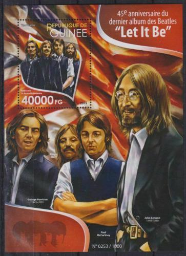 Poštovní známka Guinea 2015 The Beatles Mi# Block 2598 Kat 16€