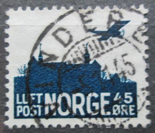 Poštovní známka Norsko 1941 Letadlo nad hradem Akershus Mi# A 230
