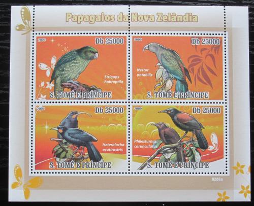 Poštovní známky Svatý Tomáš 2009 Papoušci Nového Zélandu Mi# 3889-92 Kat 10€