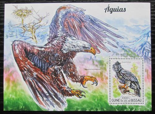 Poštovní známka Guinea-Bissau 2015 Orli Mi# Block 1354 Kat 13€