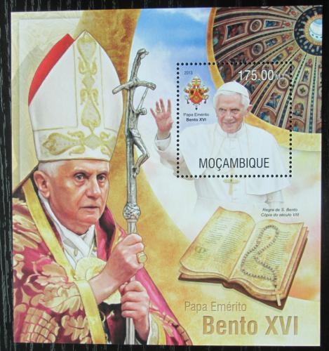 Poštovní známka Mosambik 2013 Papež Benedikt XVI. Mi# Block 789 Kat 10€