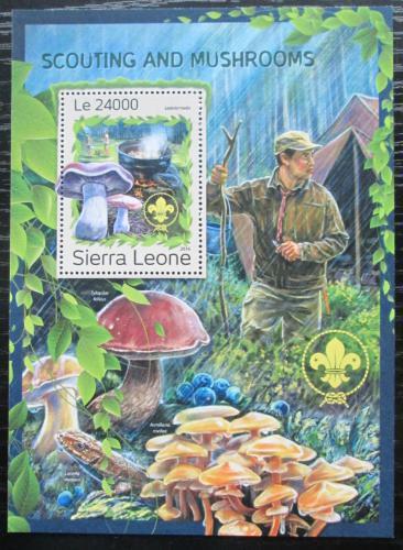 Poštovní známka Sierra Leone 2016 Houby a skauti Mi# Block 1115 Kat 11€