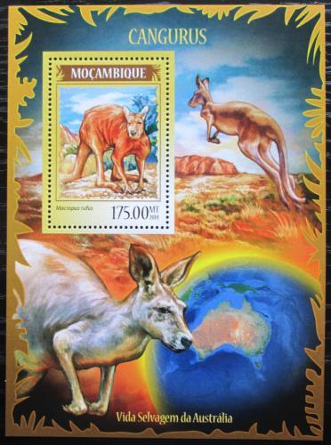 Poštovní známka Mosambik 2014 Klokani Mi# Block 901 Kat 10€