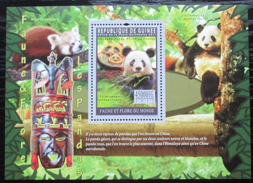 Poštovní známka Guinea 2011 Pandy Mi# Mi# Block 1945 Kat 18€