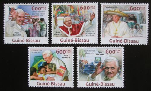 Poštovní známky Guinea-Bissau 2013 Papež Benedikt Mi# 6572-76 Kat 12€