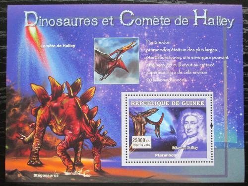 Poštovní známka Guinea 2007 Halleyova kometa a dinosauøi Mi# Block 1222