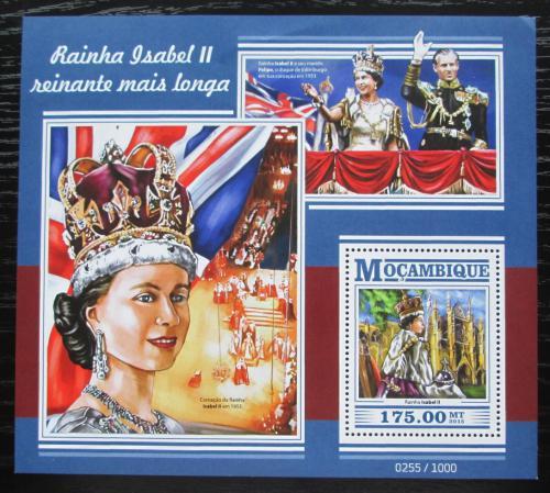 Poštovní známka Mosambik 2015 Královna Alžbìta II. Mi# Block 1063 Kat 10€