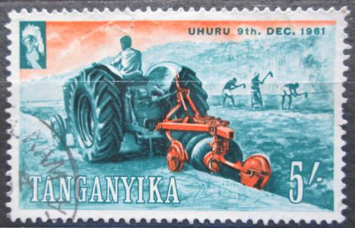 Poštovní známka Tanganyika 1961 Traktor Mi# 107