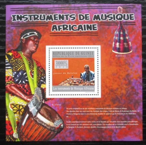 Poštovní známka Guinea 2010 Africké hudební nástroje Mi# Block 1800 Kat 10€
