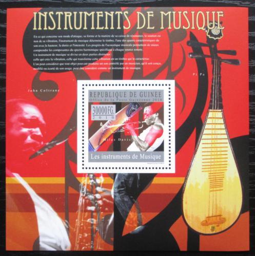 Poštovní známka Guinea 2010 Hudební nástroje, Miles Davis Mi# Block 1795 Kat 10€