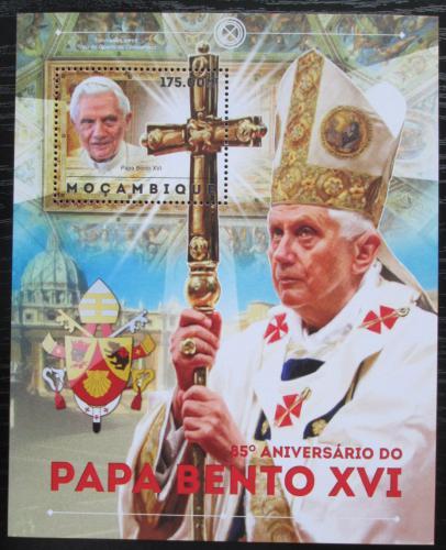 Poštovní známka Mosambik 2012 Papež Benedikt Mi# Block 686 Kat 10€