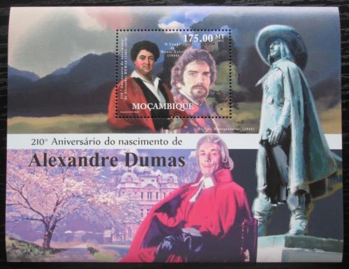 Poštovní známka Mosambik 2012 Alexander Dumas, spisovatel Mi# Block 589 Kat 10€