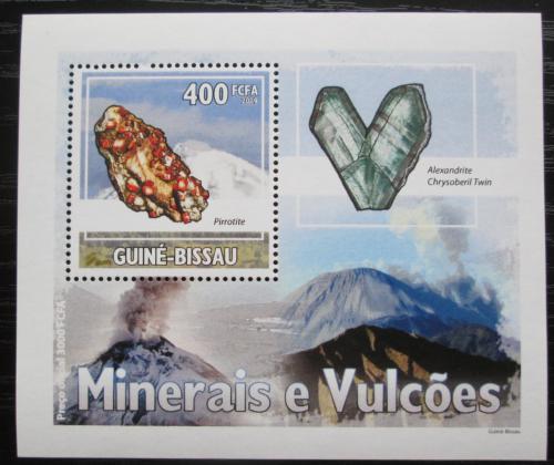 Poštovní známka Guinea-Bissau 2009 Minerály a sopky DELUXE Mi# 4433 Bogen