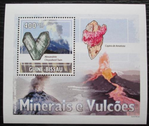 Poštovní známka Guinea-Bissau 2009 Minerály a sopky DELUXE Mi# 4434 Bogen