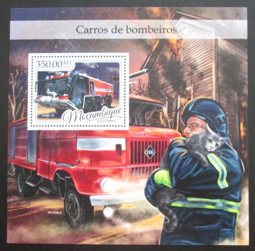 Poštovní známka Mosambik 2016 Hasièská auta Mi# Block 1201 Kat 20€