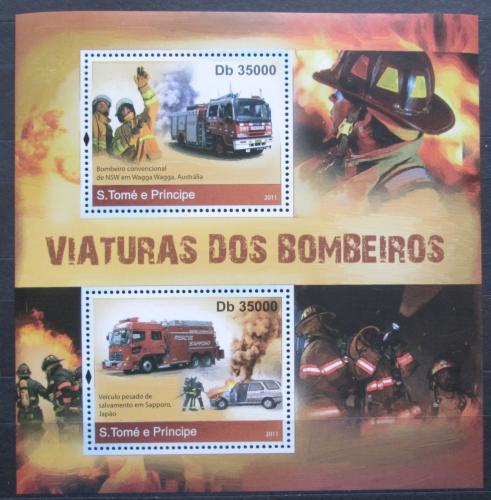 Poštovní známky Svatý Tomáš 2011 Australská hasièská auta Mi# Block 821 Kat 7€