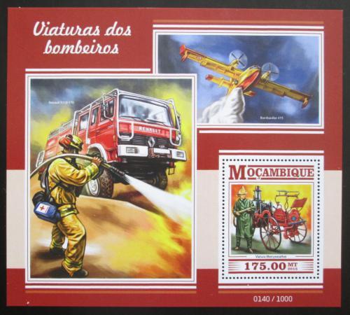 Poštovní známka Mosambik 2015 Hasièi Mi# Mi# Block 1054 Kat 10€