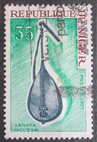 Poštovní známka Niger 1971 Hudební nástroj Garaya Mi# 301