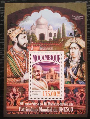 Poštovní známka Mosambik 2013 Mahátma Gándhí a Tádž Mahal Mi# Block 849 Kat 10€
