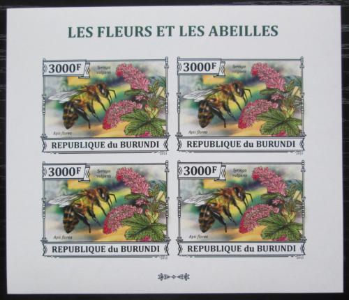 Poštovní známky Burundi 2013 Vèely a kvìtiny neperf. Mi# 3291 B Bogen