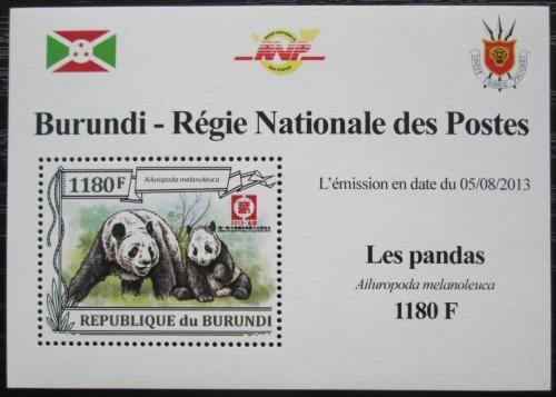 Poštovní známka Burundi 2013 Pandy DELUXE Mi# N/N