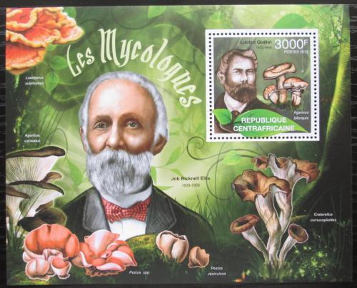 Poštovní známka SAR 2012 Houby a mykologové Mi# Block 957 Kat 14€