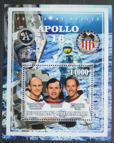 Poštovní známka Madagaskar 2015 Apollo 16, prùzkum Mìsíce Mi# N/N