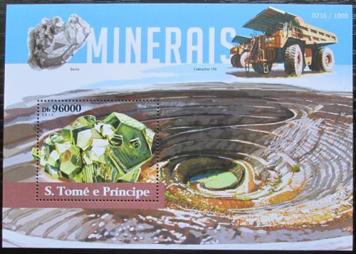 Poštovní známka Svatý Tomáš 2015 Minerály Mi# Block 1113 Kat 10€