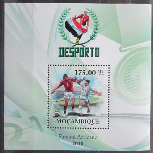 Poštovní známka Mosambik 2010 Africký fotbal Mi# Block 318 Kat 10€