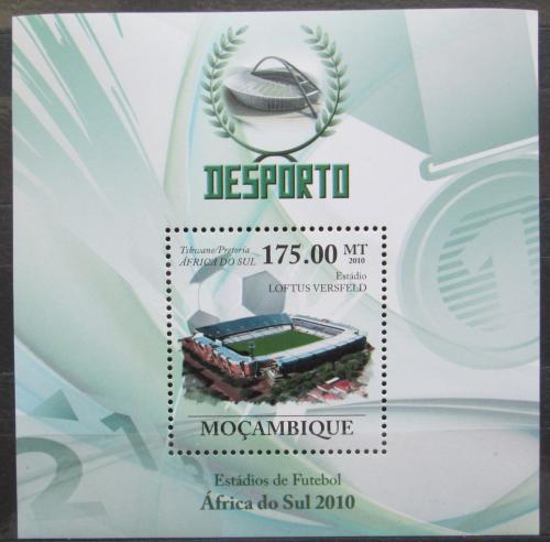 Poštovní známka Mosambik 2010 Fotbalový stadión Mi# Block 317 Kat 10€
